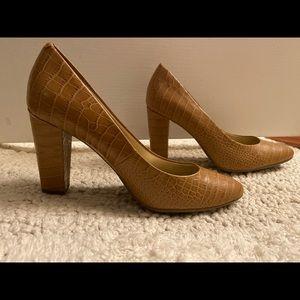 Nude Bandolino Leather Textured Heels